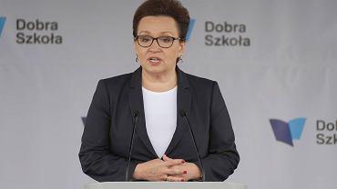 Dobrzechów. Premier Beata Szydło i minister edukacji Anna Zalewska na ogólnopolskiej inauguracji roku szkolnego 2017/18