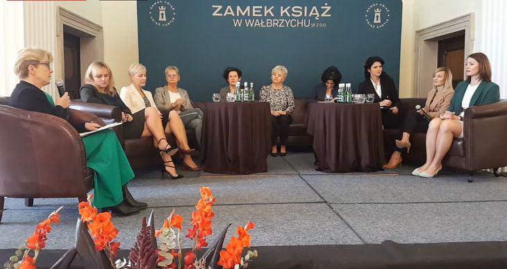 Rok Kobiet w Wałbrzychu. Debata 'Kobiety Wiedzą, Co Robią'