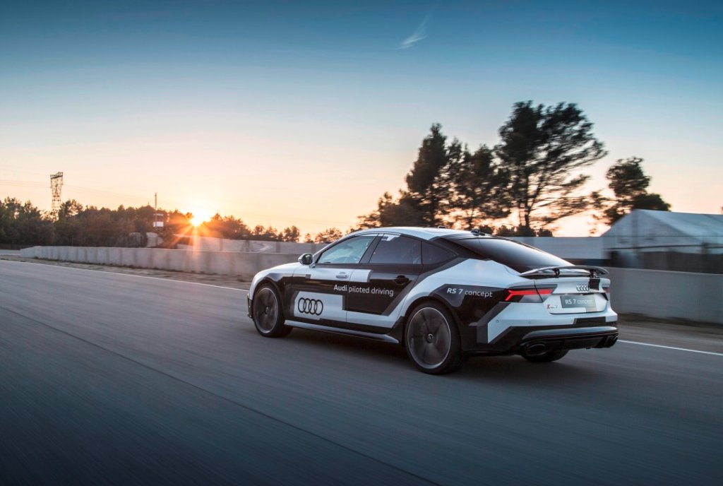 Autonomiczne Audi RS 7 na testach