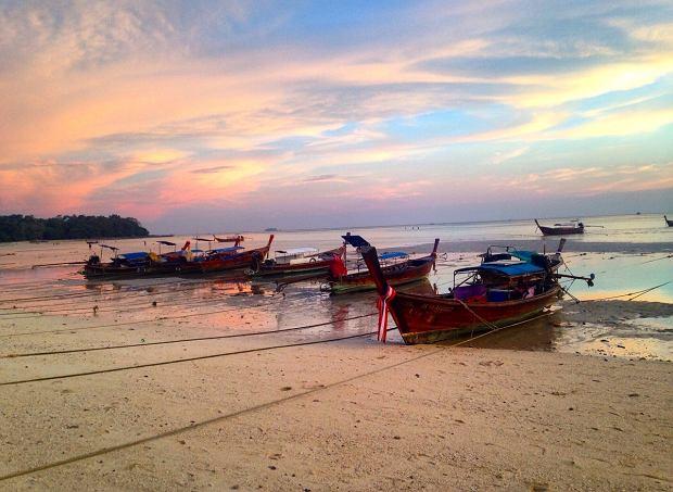 Plaża na wyspie Phi Phi w Tajlandii