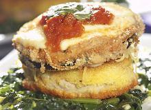 Bakłażany z mięsem na szpinaku - ugotuj