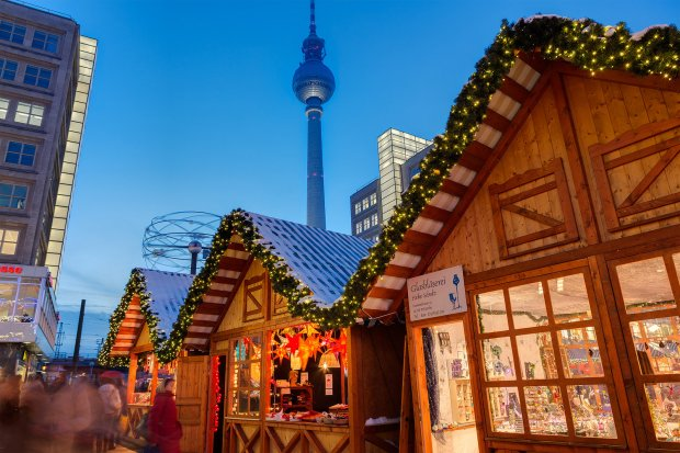 W tym roku w Berlinie jest blisko 60 świątecznych jarmarków. Na zdjęciu jarmark przy Alexanderplatz