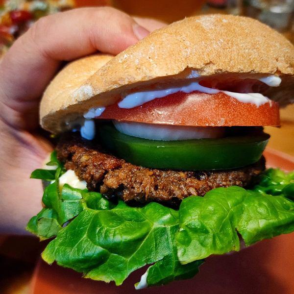 Roślinny burger