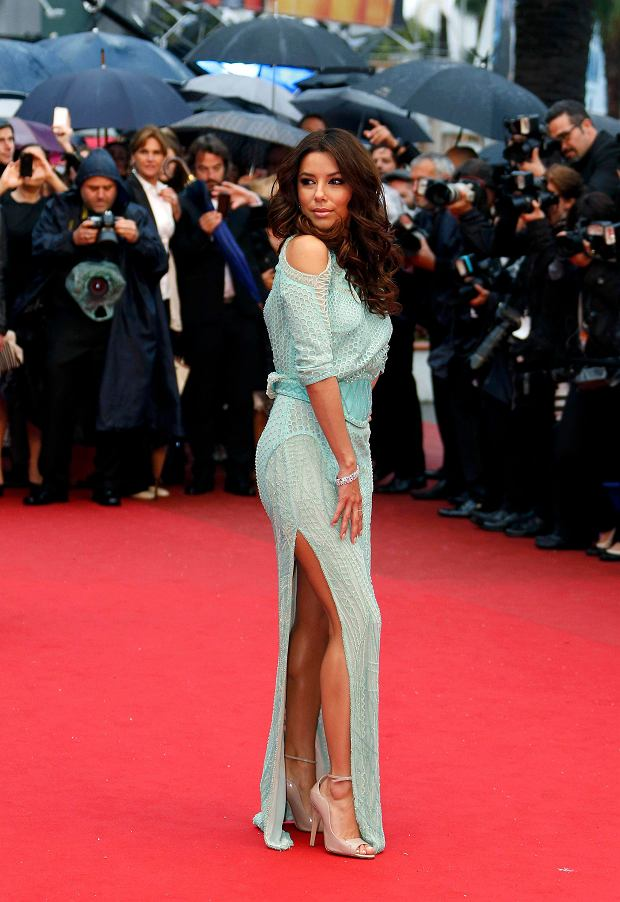 Actress Eva Longoria poses on the red carpet as she arrives for the screening of the film 'Jimmy P.' (Psychotherapy of a Plains Indian) in competition at the 66th Cannes Film Festival in Cannes May 18, 2013.                    REUTERS/Eric Gaillard (FRANCE  - Tags: ENTERTAINMENT)