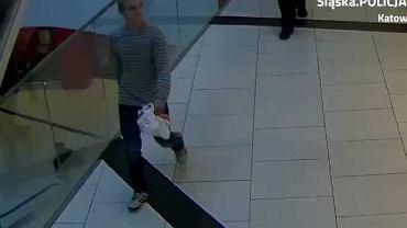 Mężczyzna, którego zarejestrowały kamery monitoringu, jest podejrzany o kradzież paczki z biżuterią