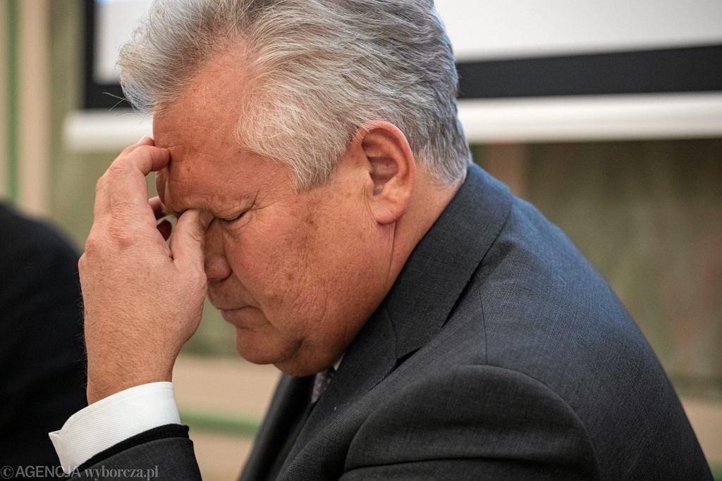 Aleksander Kwaśniewski podczas debaty 'Co z tą demokracją', 23.10.2017 r. (fot. Dawid Żuchowicz/AG)