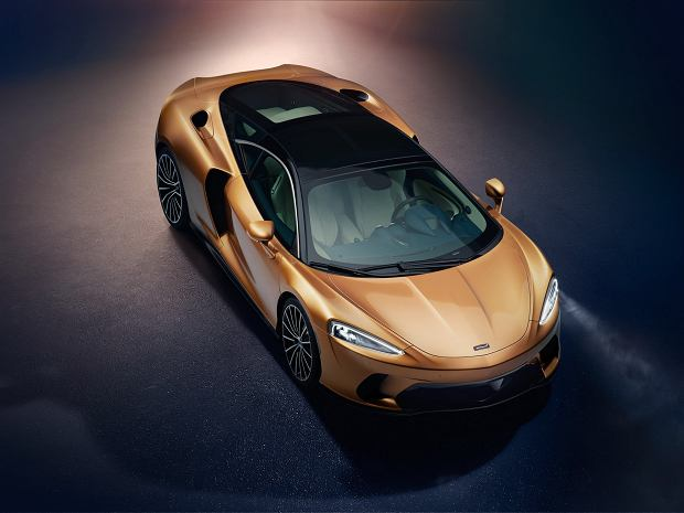 McLaren GT - pierwszy Grand Tourer w historii marki stawia na niską masę i potężne V8