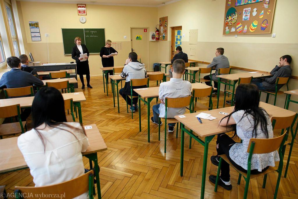 Egzamin gimnazjalny z historii i WOS w Katowicach