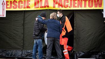 357 kolejnych przypadków zakażenia w Polsce, zmarło 30 osób [INFORMACJE DNIA]