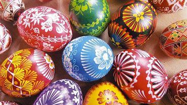 Wielkanoc 2021 - symbole. Sprawdź, co oznacza zajączek, jajko, chrzan oraz kolory pisanek