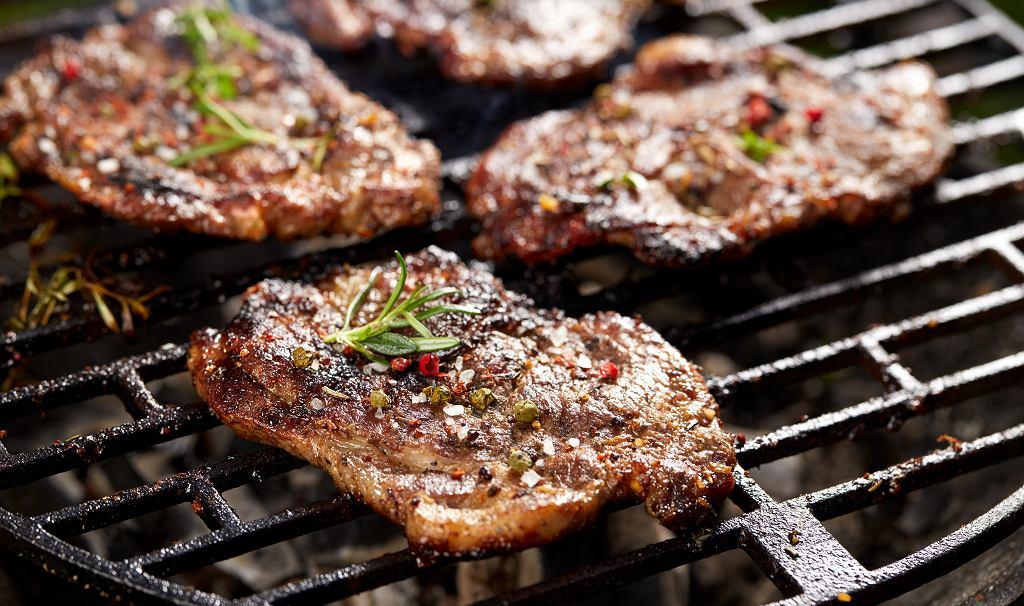 Karkówka z grilla to jeden z naszych ulubionych wiosennych przysmaków.