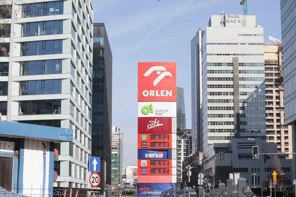 Stacja paliw PKN Orlen w Warszawie. Zdjęcie i ceny z 17 marca 2020.