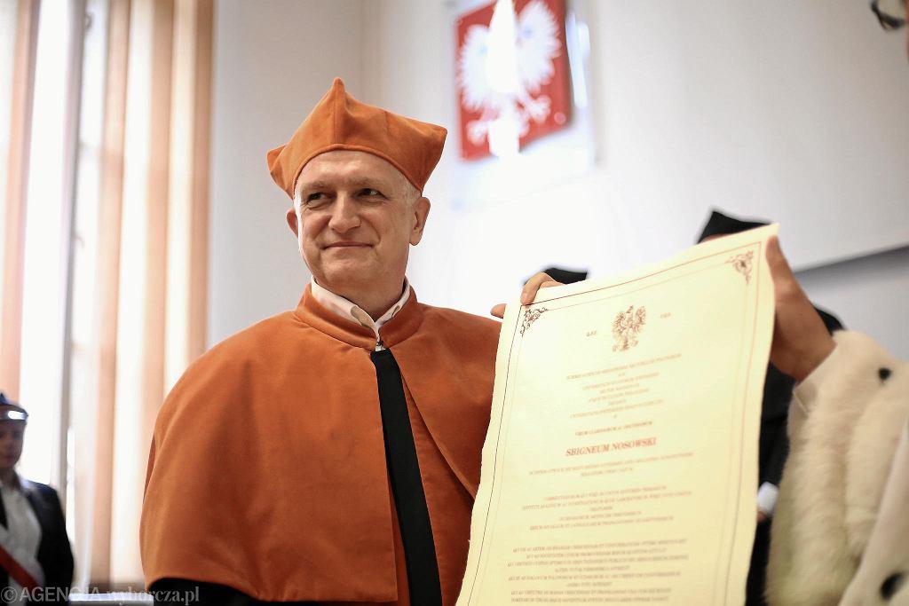 Ceremonia wręczenia nadania Zbigniewowi Nosowskiemu tytułu doktora honoris causa.