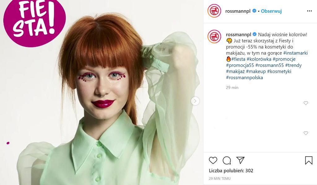 Rossmann: promocja na makijaż -55%. Jakie kosmetyki kupimy taniej podczas 'Fiesty sezonu'?