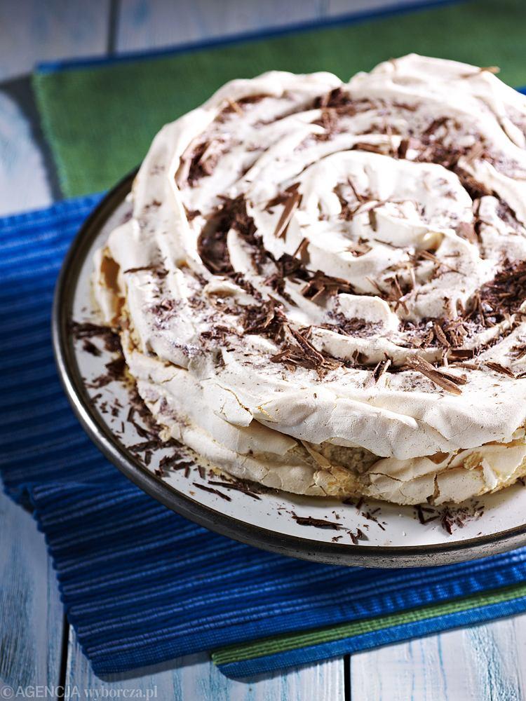 Tort bezowy kawowy