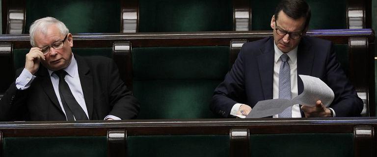 Sondaż. PiS i Konfederacja tracą poparcie. Zyskuje Koalicja Obywatelska