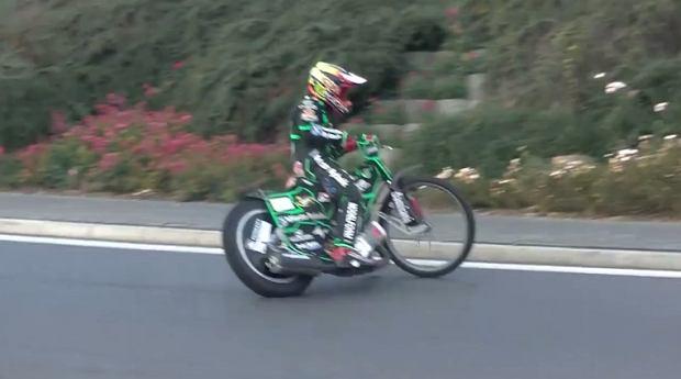 Kacper Woryna jeździł motocyklem żużlowym... na rondzie w Rybniku