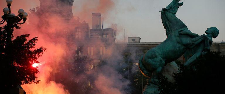 Zakażenia w Serbii wystrzeliły po wyborach. Starcia na protestach