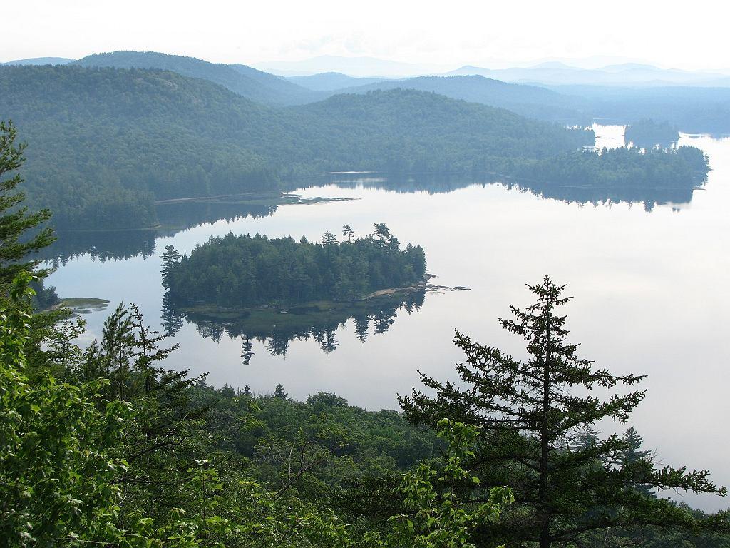 Widok na jezioro Lila, będące częścią posiadłości
