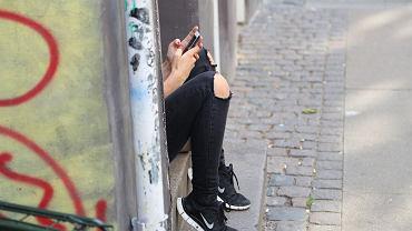 Po młodych ludziach czasem nie widać depresji. Dzieci między sobą wyłapują dyskretne sygnały, dorośli - nie