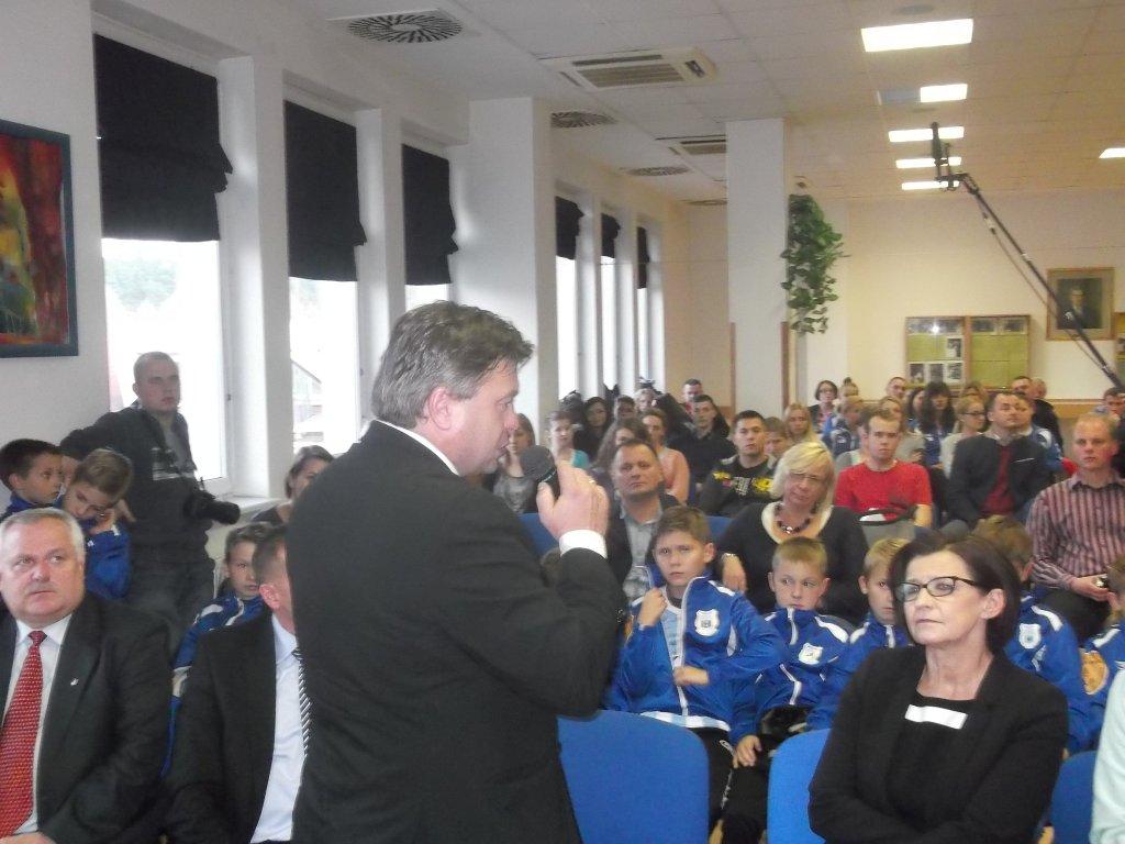Roman Kosecki, wiceprezes PZPN podczas wizyty w Olsztynie