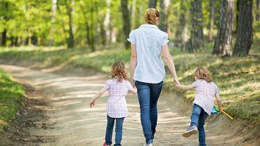 Rodzinny kapitał opiekuńczy. 12 tys. zł na dziecko i więcej. Jest jeden warunek