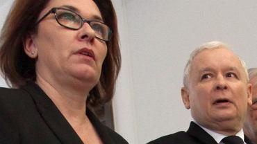 Rzecznik PiS Beata Mazurek, prezes PiS Jarosław Kaczyński i wicemarszałek Ryszard Terlecki po 1. spotkaniu szefów partii z marszałkiem Kuchcińskim