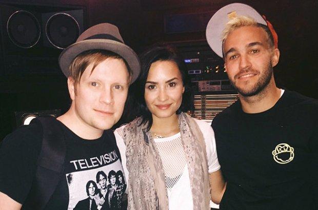Od lewej: Patrick Stump, Demi Lovato i Pete Wentz
