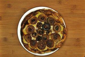 Odwrócona, najprostsza na świecie tarta cebulowa