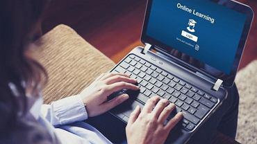 E-learning to zajęcia dostępne 24 godziny na dobę w każdym miejscu na świecie