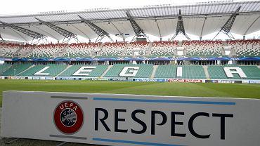 Banery Champions League na stadionie Legii