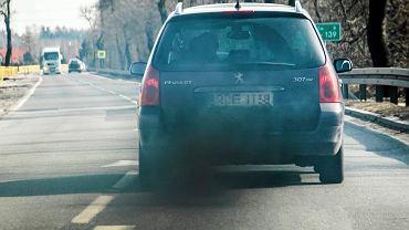 Trujacy diesel na drodze
