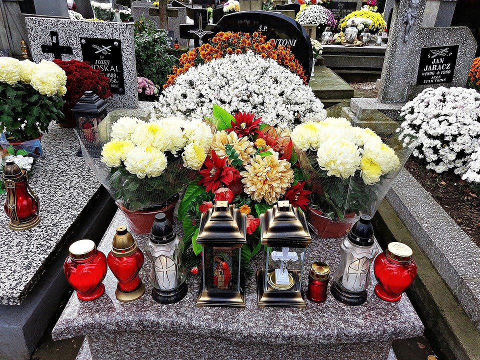wdowa po mężu, cmentarz, emerytura