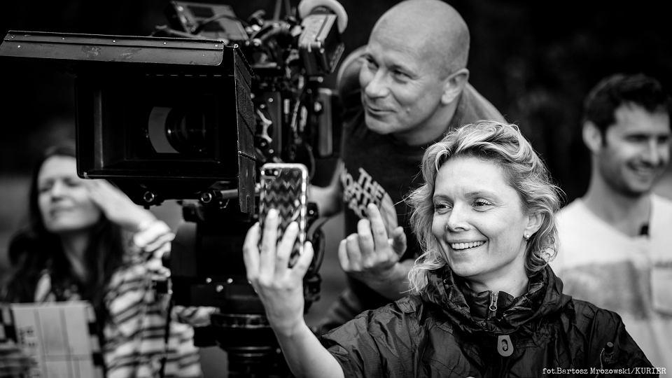 Magdalena Górka z ekipą na planie filmu 'Kurier'