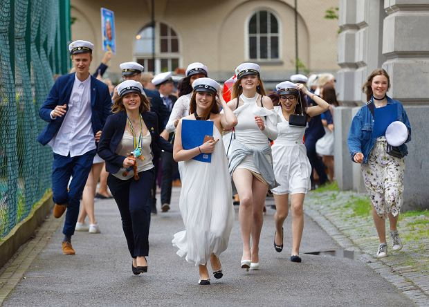 Od dawna największym powodzeniem wśród studentów z Finlandii cieszą się Szwecja i Wielka Brytania, ale w ostatnich latach coraz więcej Finów składa papiery także w Hiszpanii, Rumunii czy na Łotwie