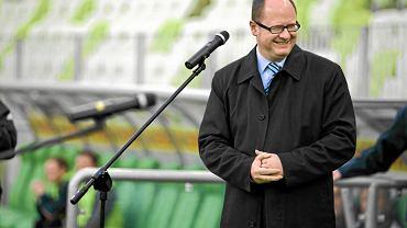 Prezydent Gdańska Paweł Adamowicz. Rządzi miastem od 2002 roku. W poprzednich dwóch wyborach wygrywał w I turze. Jest reprezentantem PO