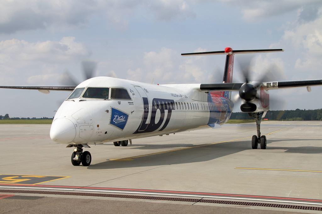 Samolot LOT-u w Porcie Lotniczym Lublin