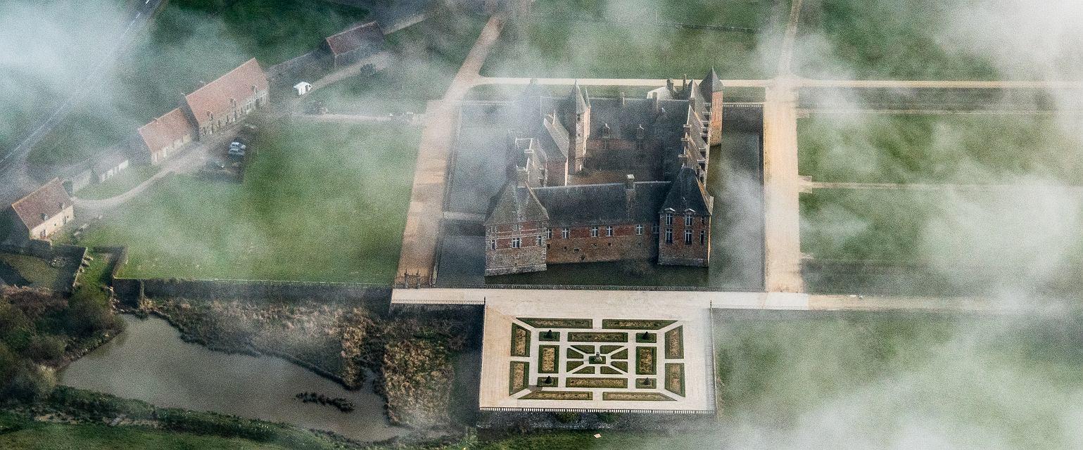 Zamek w Carrouges (fot. Shutterstock)