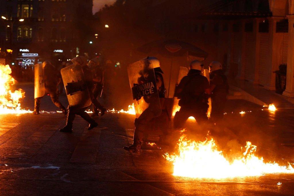 Starcia na ulicach Aten