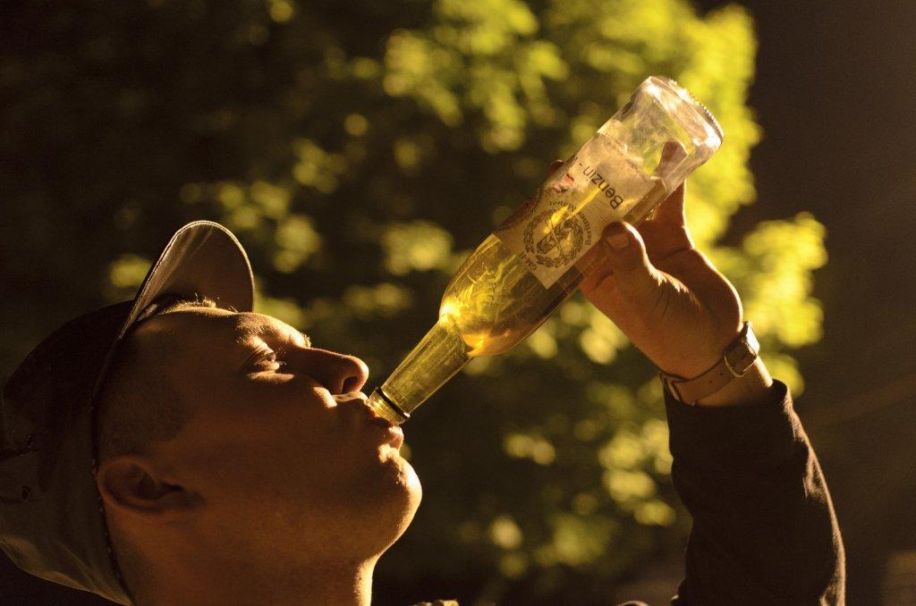 Wieczorem można napić się benzyny (fot. Bartosz Kraska)