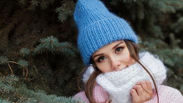 Zdjęcie ilustracyjne: kobieta w czapce