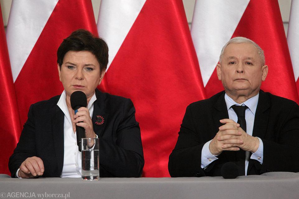 Prezes Prawa i Sprawiedliwości Jarosław Kaczyński i premier Beata Szydło