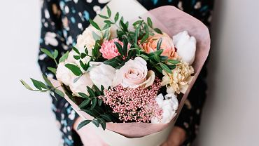 Kwiaty na Dzień Kobiet. Zdjęcie ilustracyjne