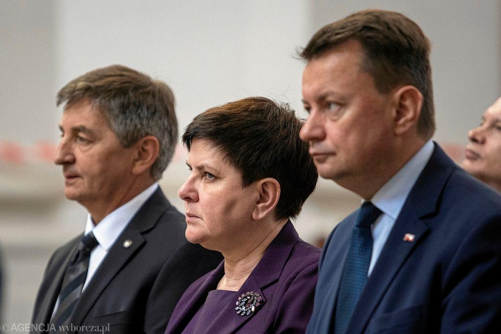 Od lewej: marszałek Sejmu Marek Kuchciński, wicepremier Beata Szydło i szef MON Mariusz Błaszczak