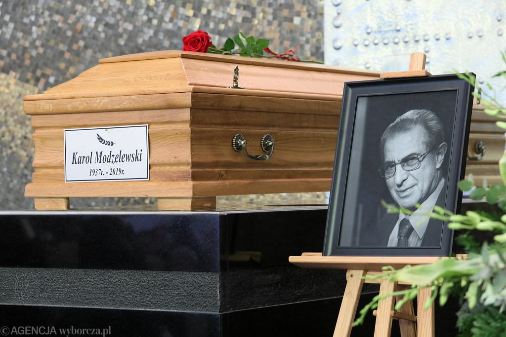 Pogrzeb Karola Modzelewskiego w Warszawie