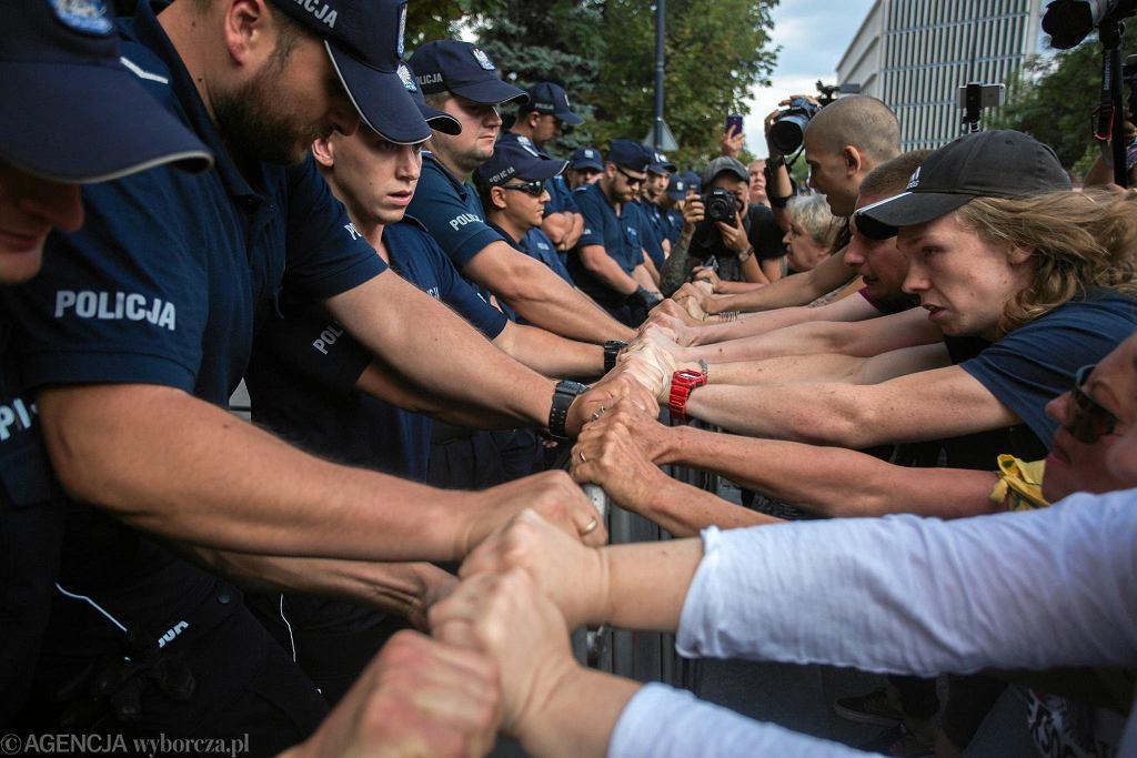 20 lipca 2018. Demonstracja w obronie wolnych sądów pod Sejmem