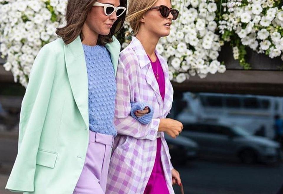 pastelowy strój