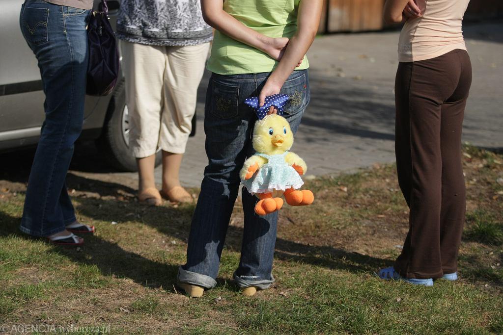 Wychowawca z domu dziecka oskarżony o molestowanie wychowanek (zdjęcie ilustracyjne)