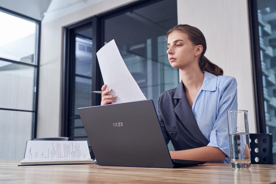 Laptop dla współczesnej businesswoman