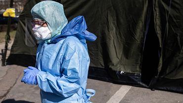 Lekarze w czasie epidemii koronawirusa - zdjęcie ilustracyjne